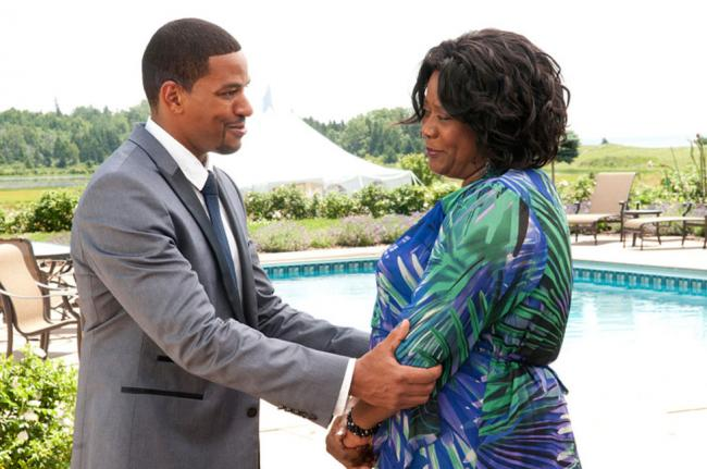Laz Alonso and Loretta Devine in Jumping the Broom