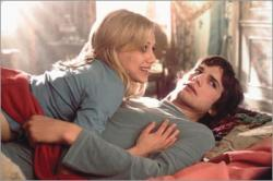 Brittany Murphy and Ashton Kutcher in Just Married.