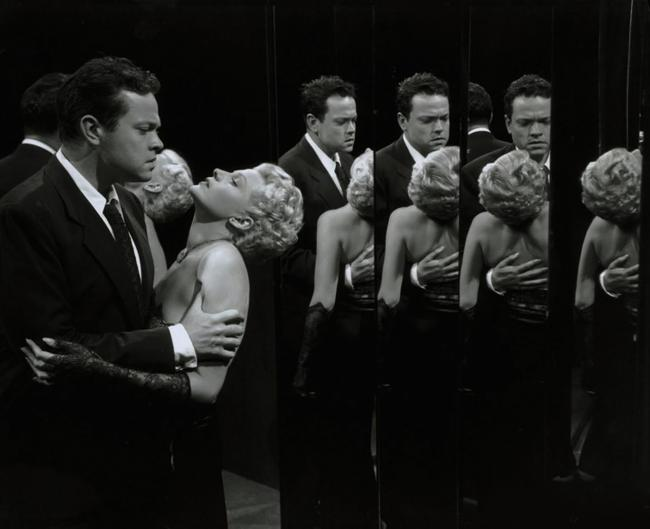 Orson Welles and Rita Hayworth in The Lady from Shanghai..