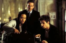 Angelina Jolie, Chris Barrie and Noah Taylor in Lara Croft: Tomb Raider.