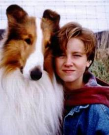 Lassie and Tom Guiry in Lassie.
