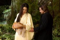 Koyuki and Tom Cruise in The Last Samurai.