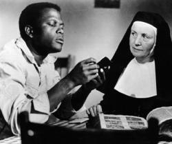 Sisney Poitier and Lilia Skala as Homer Smith and Mother Maria.
