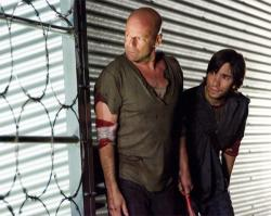 Bruce Willis and Justin Long in Live Free or Die Hard.