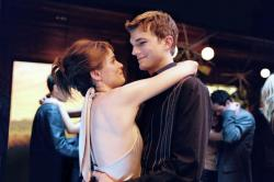 Amanda Peet and Ashton Kutcher in A Lot Like Love.