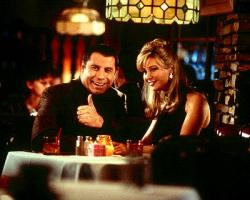 John Travolta and Lisa Kudrow in Lucky Numbers.