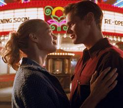 Laurie Holden and Jim Carrey in The Majestic.