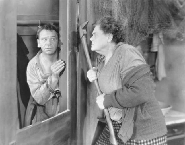 Wallace Beery and Marie Dressler in Min and Bill.