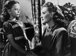 Natalie Wood and Maureen O'Hara in Miracle on 34th Street.
