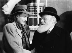 Maureen O'Hara and Edmund Gwenn in Miracle on 34th Street.