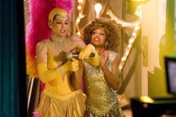 Sandra Bullock and Regina King in Miss Congeniality 2: Armed and Fabulous.