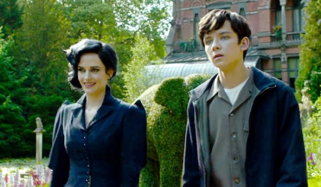 Eva Green and Asa Butterfield in Miss Peregrine's Home for Peculiar Children