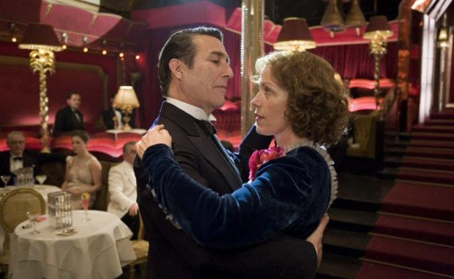 Ciaran Hinds and Frances McDormand in Miss Pettigrew Lives for a Day.