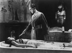 Zita Johann and Boris Karloff in The Mummy