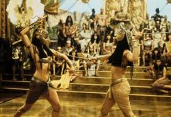 Patricia Valazquez and Rachel Weisz in The Mummy Returns.