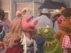 Gonzo, Miss Piggy, Kermit and Fozzy Bear.