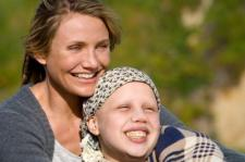 Cameron Diaz and Sofia Vassilieva in My Sisters Keeper.