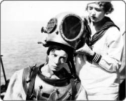 Buster Keaton and Kathryn McGuire in The Navigator.