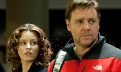 Elizabeth Banks and Russell Crowe in The Next Three Days