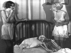 Barbara Stanwyck and Joan Blondell in Night Nurse.