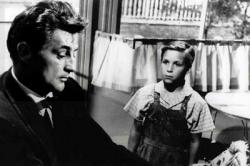 Robert Mitchum and Billy Chapin in The Night of the Hunter