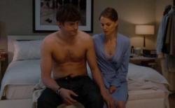 Ashton Kutcher and Natalie Portman in No Strings Attached.