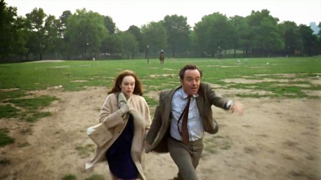 Sandy Dennis and Jack Lemmon in The Out of Towners.