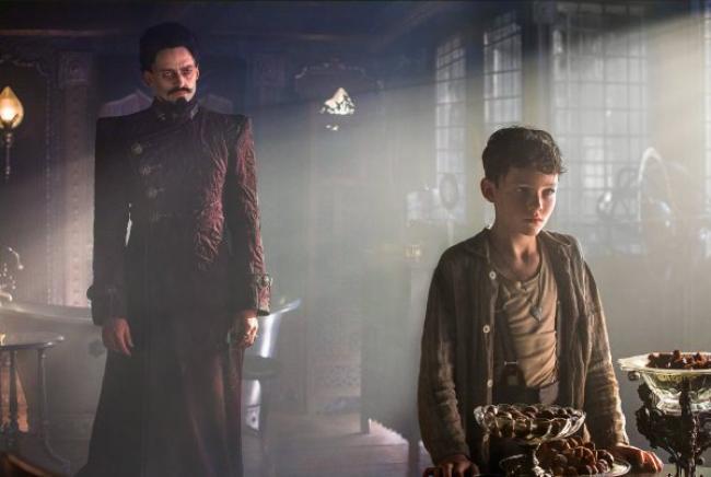 Hugh Jackman and Levi Miller in Pan.