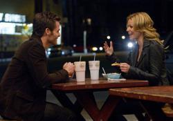 Chris Pine and Elizabeth Banks in People Like Us.