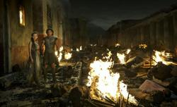 Emily Browning and Kit Harington in Pompeii