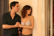 Gad Elmaleh and the beautiful Audrey Tautou are priceless in hors de prix.
