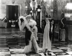 Seena Owen and Gloria Swanson in Queen Kelly