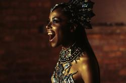 Aaliyah in Queen of the Damned.