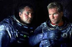 Tom Sizemore and Val Kilmer in Red Planet.