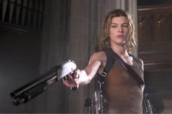 Milla Jovovich as Alice in Resident Evil: Apocalypse.
