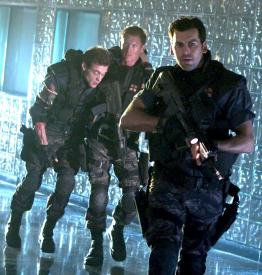 Stephen Hayes, Zack Ward and Oded Fehr as guns for hire in Resident Evil: Apocalypse