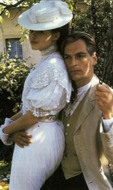 Helena Bonham Carter and Julian Sands in A Room with a View