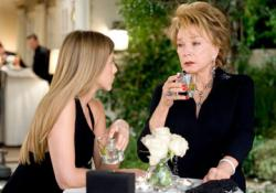 Jennifer Aniston and Shirley MacLaine in Rumor Has It.