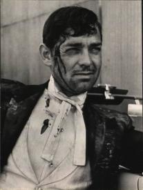 Gable as Blackie Norton, after the quake, in San Francisco.