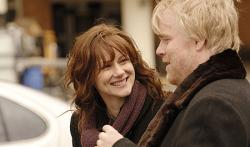 Laura Linney and Philip Seymour Hoffman in The Savages.