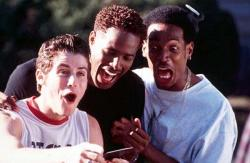 Jon Abrahams, Shawn Wayans and Marlon Wayans in Scary Movie.