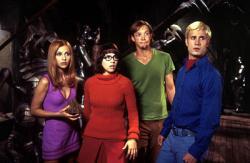 Sarah Michelle Gellar, Linda Cardellini, Matthew Lillard and Freddie Prinze Jr. in Scooby Doo.
