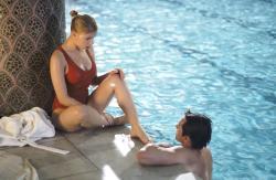 Scarlett Johansson and Hugh Jackman in Scoop.