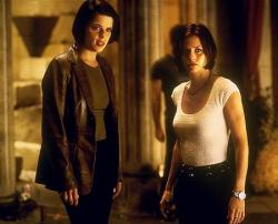 Neve Campbell and Courteney Cox in Scream 2.
