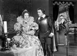 Flora Robson and Errol Flynn in The Sea Hawk.