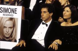Al Pacino and Catherine Keener in S1mone
