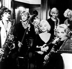 Tony Curtis, Jack Lemmon and Marilyn Monroe in Some Like it Hot.