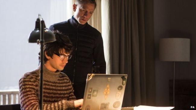 Ben Whishaw and Daniel Craig in Spectre.
