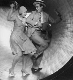 Ann Christy and Harold Lloyd in Speedy.