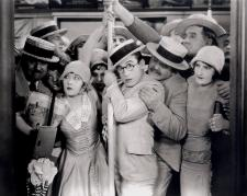 Harold Lloyd rides the subway at crush hour in Speedy.